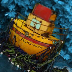 Boat, crochet netting